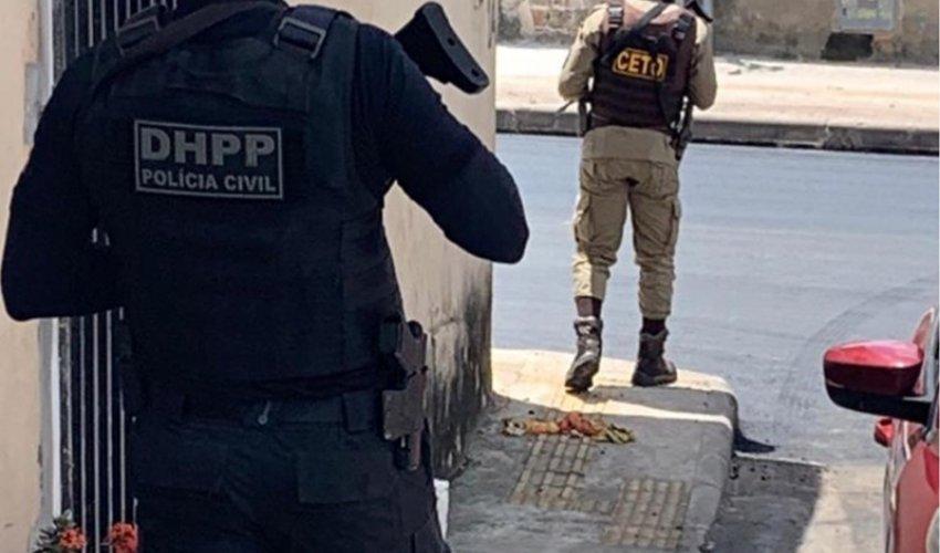 [Dupla é presa durante operação conjunta entre polícias Civil e Militar em Camaçari]