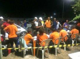 [Operação aborda 412 veículos e recolhe 137 carteiras na Festa de Arembepe]