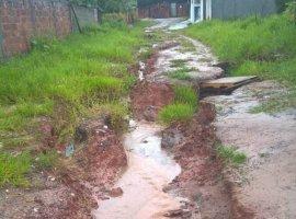 [Moradores mostram condições de ruas de Camaçari após chuva]