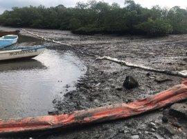 [Prefeitura aplica multa de 5 milhões a empresa responsável por vazamento de óleo]