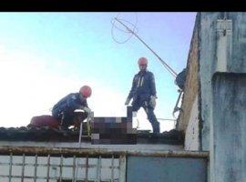 [Homem morre em telhado após ser baleado em moto e perseguido]