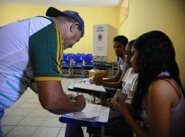 [TSE mantém horários locais para votação nas eleições deste ano]