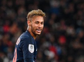 [Após ficar de fora dos dez finalistas da Fifa, Neymar concorre à Bola de Ouro]