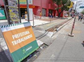 [Obras são iniciadas em importantes ruas do centro de Camaçari]