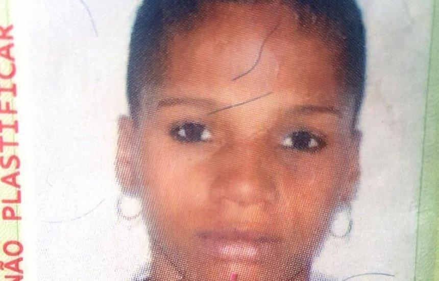 ['Dávamos muitos conselhos a ela', diz pai de jovem assassinada a tiros]
