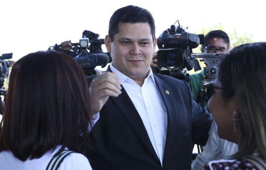 [Bolsonaro retorna ao Planalto na próxima semana, diz Alcolumbre]