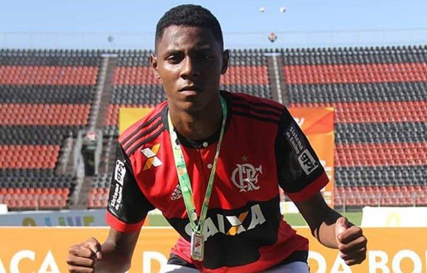 Sobrevivente em incêndio no Flamengo mostra evolução e começa a andar