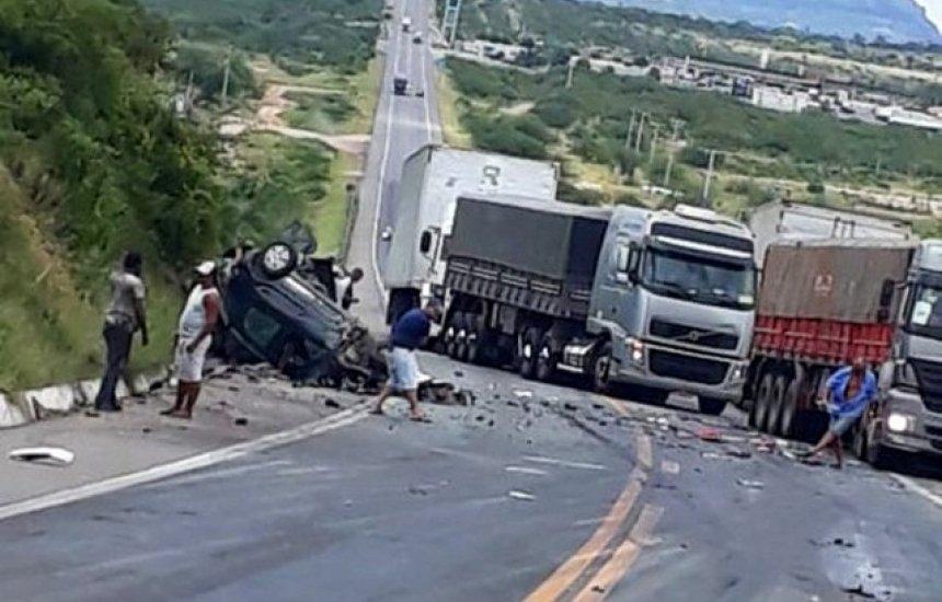 [Acidente envolvendo quatro veículos deixa um morto e um ferido em Milagres]