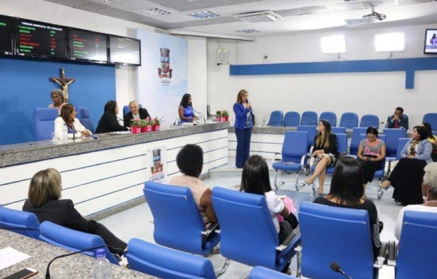 [Câmara de Camaçari realiza Sessão Especial sobre direitos da mulher]
