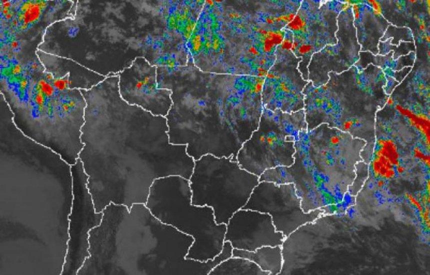 [Marinha alerta para possível formação de ciclone tropical no mar da Bahia]