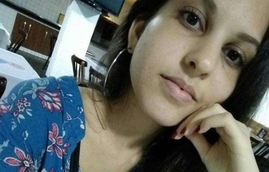 [Social: Estrela do teatro camaçariense Luiza Lemos completa aniversário hoje]