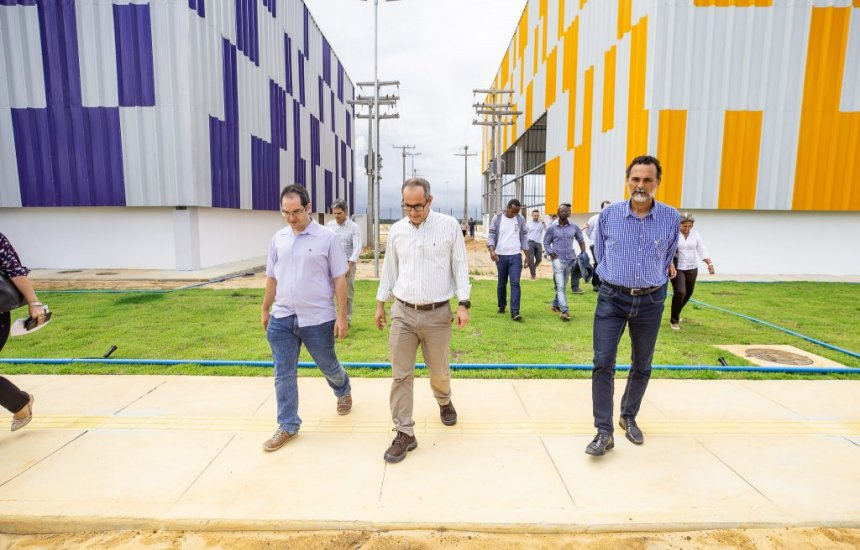 [Governo realiza visita ao Cimatec Industrial para análise de andamento das obras]