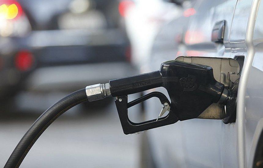[Petrobras reduz preços da gasolina e do diesel em meio à alta do petróleo]
