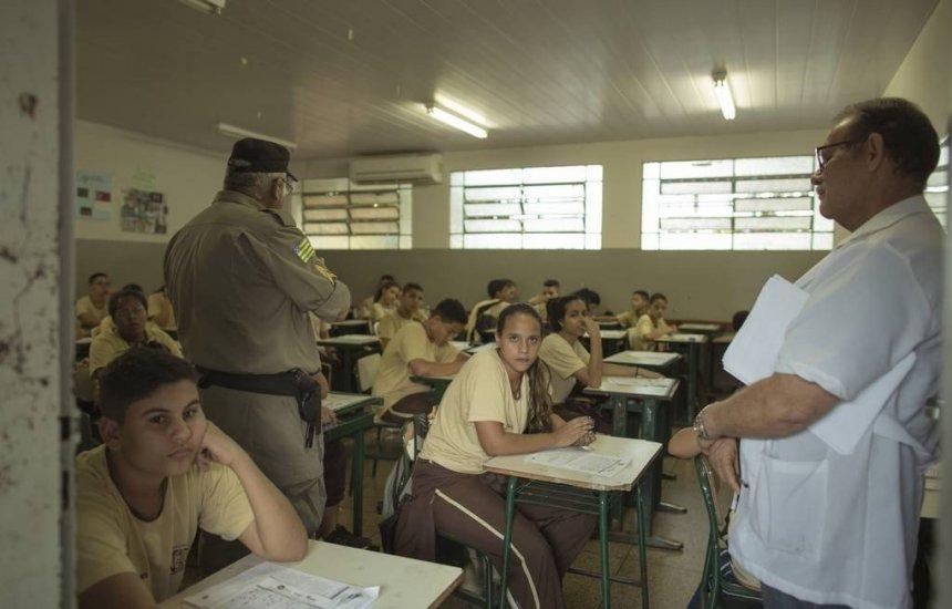 [MEC anuncia plano de criar 108 escolas cívico-militares até 2023]