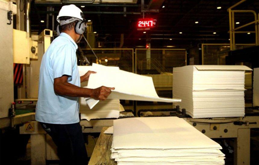[Produção industrial recua em sete estados e na região Nordeste em maio]