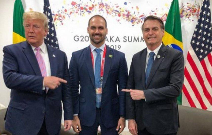[Bolsonaro reitera que pode indicar Eduardo para embaixada]