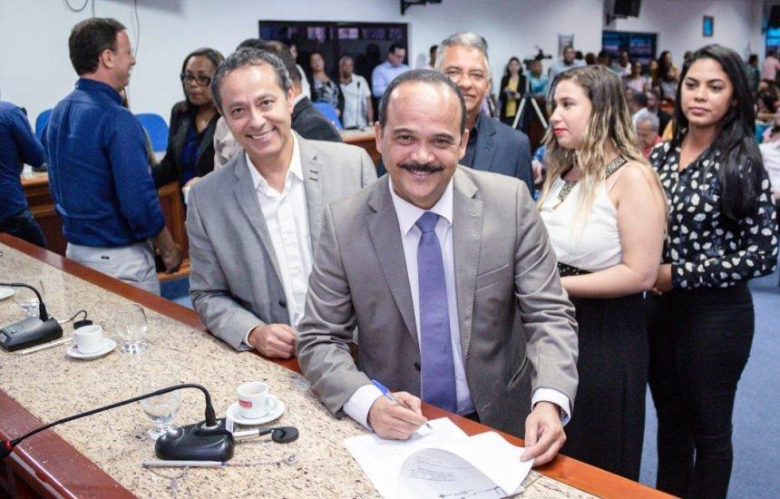 Prefeito Elinaldo Assina termo de compromisso do Planifica SUS