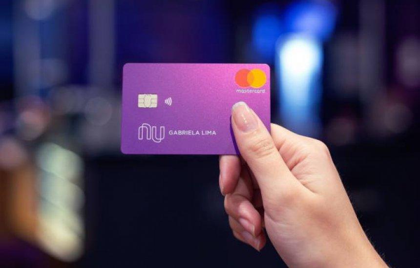 [Nubank libera cartão com função débito para todos os clientes]
