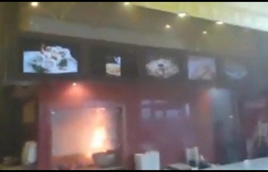 [Restaurante do Boulevard Shopping Camaçari pega fogo]