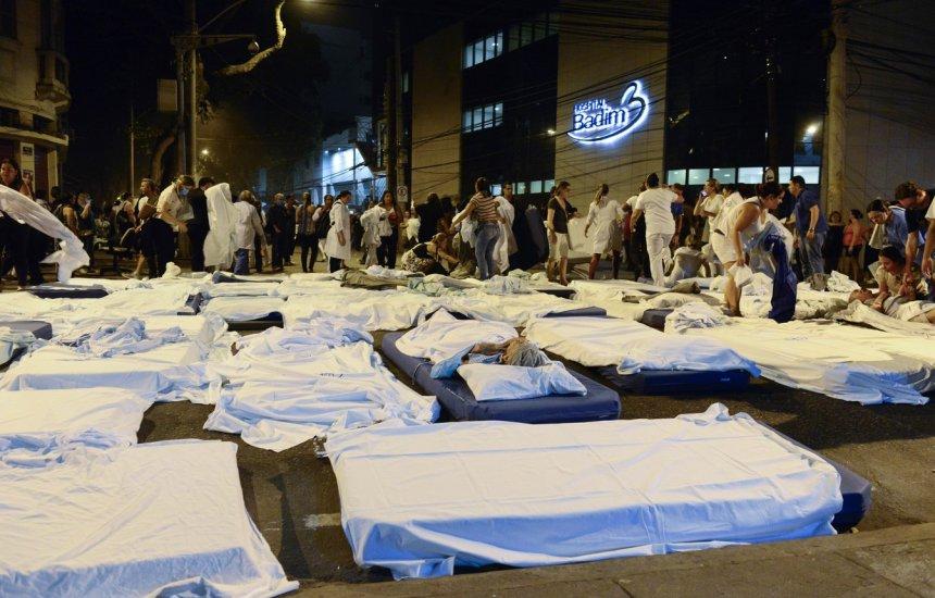 [Incêndio em hospital particular no Rio mata 11 pacientes]