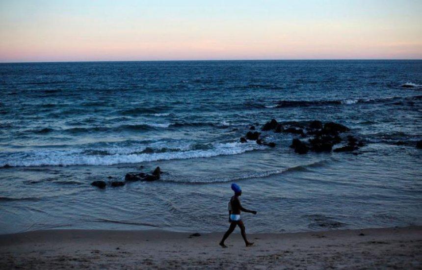 [Salvador tem 17 praias impróprias neste final de semana]