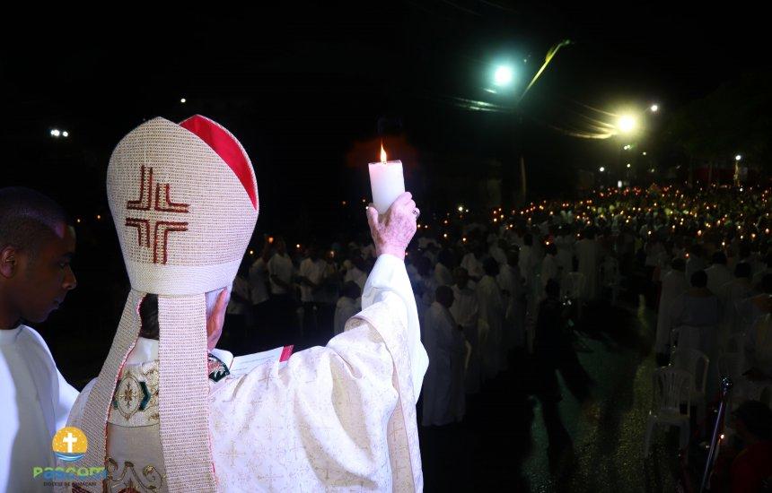 [Milhares de fiéis participaram da Festa Eucarística em Camaçari]