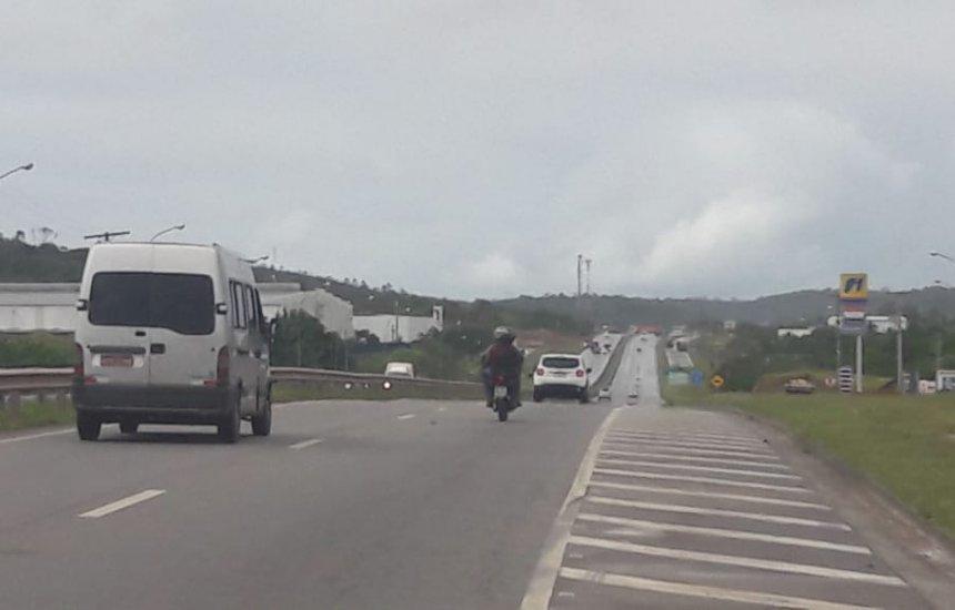 [Protesto de caminhoneiros é realizado na Via Parafuso]