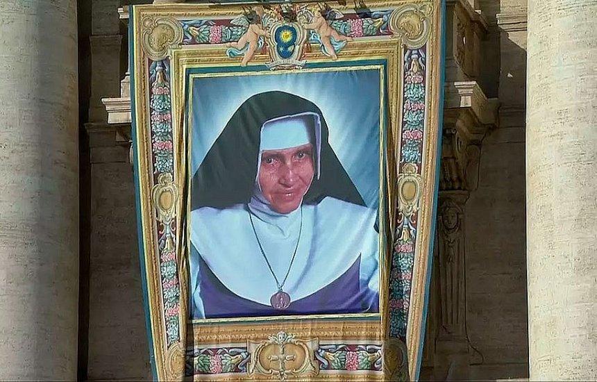 [Dia da canonização de Irmã Dulce pode virar feriado em Salvador]