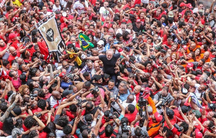 [Bahia sedia primeira reunião oficial do PT com a presença de Lula após liberdade]