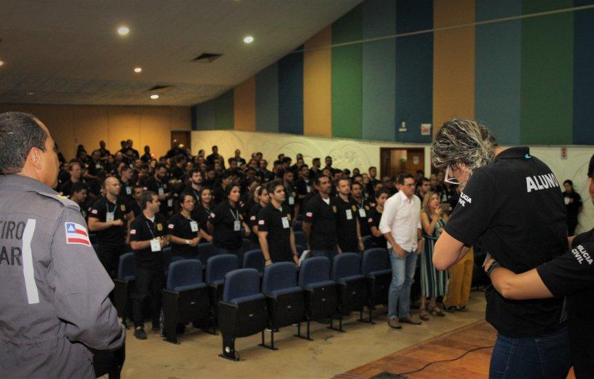 [Bombeiros promovem simulação para alunos da Polícia Civil da Bahia]