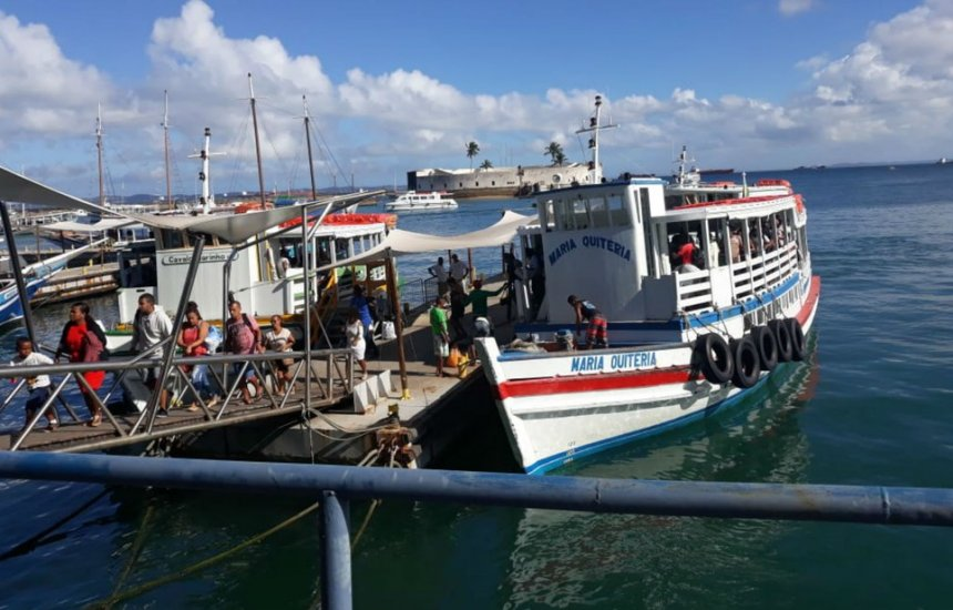 [Travessia Salvador-Mar Grande opera com saídas de 15 em 15 minutos]