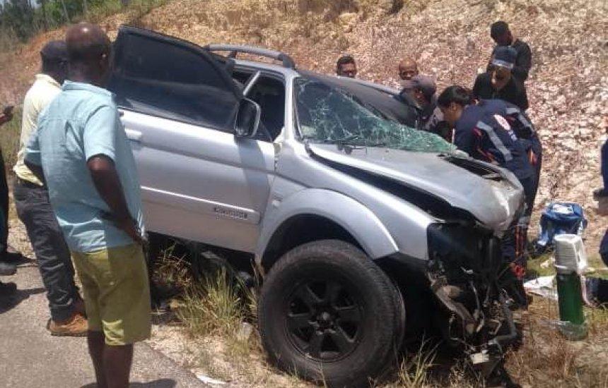 [Acidente entre caçamba e carro de passeio deixa um morto em Camaçari]