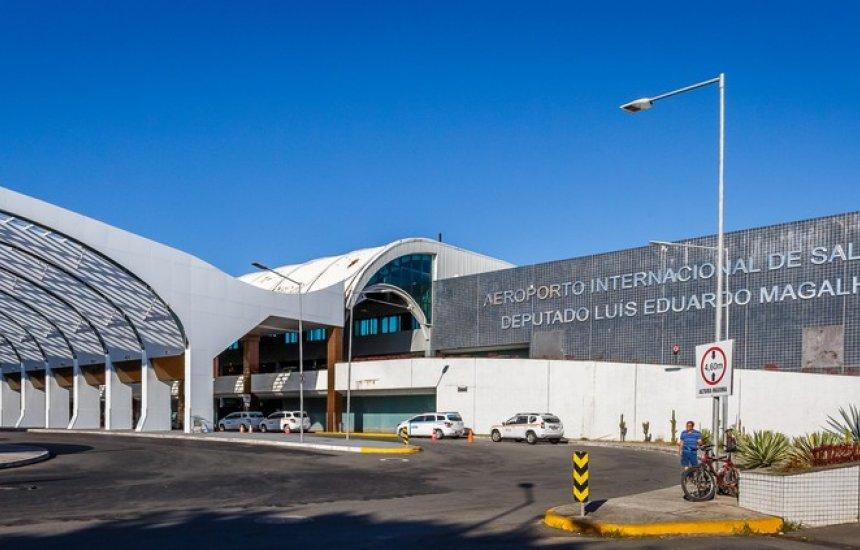 [Bebê cai e fica ferido após mãe tropeçar no aeroporto de Salvador]