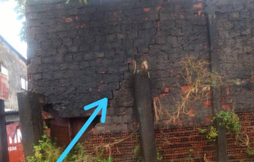 [Leitora alerta para risco de desabamento de muro na Gleba A]