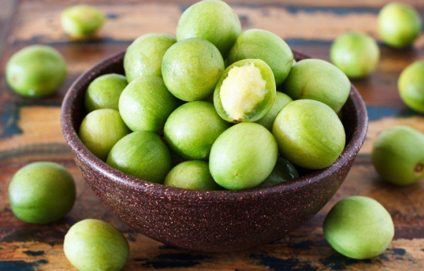 [Embu: benefícios da fruta para incluí-la no cardápio]