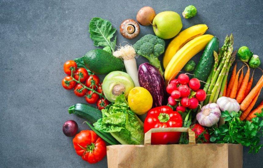 [Verduras e legumes podem 'carregar' o vírus? Veja como eliminar riscos]
