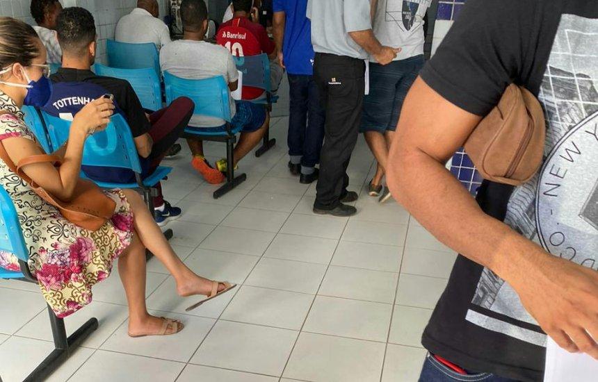 [Leitora denuncia aglomeração de pacientes em clínica de Camaçari]