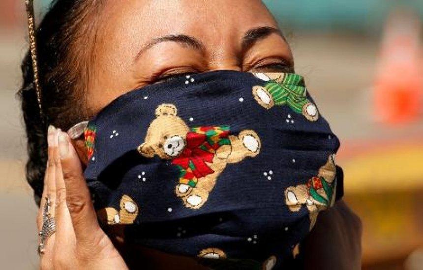 [Para fazer máscara, vale até usar cueca, diz Ministério da Saúde]