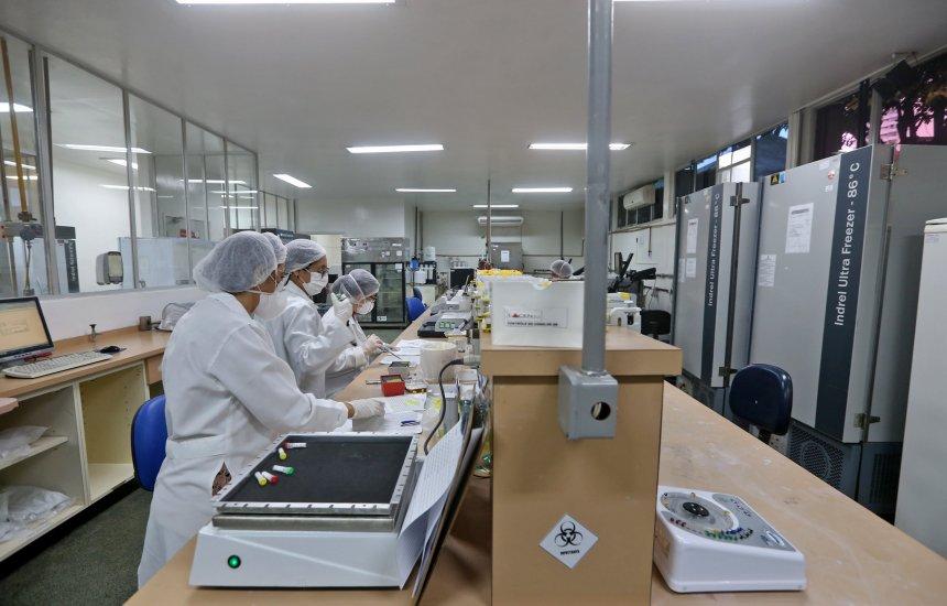 [Lacen recebe mais de 40 mil solicitações de exames para detectar à Covid-19; Bahia alcança 2° lugar no ranking de testagens]