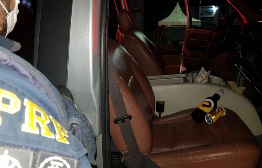 [Após fuga, motorista é preso por dirigir alcoolizado, desacatar e ameaçar equipe da PRF]