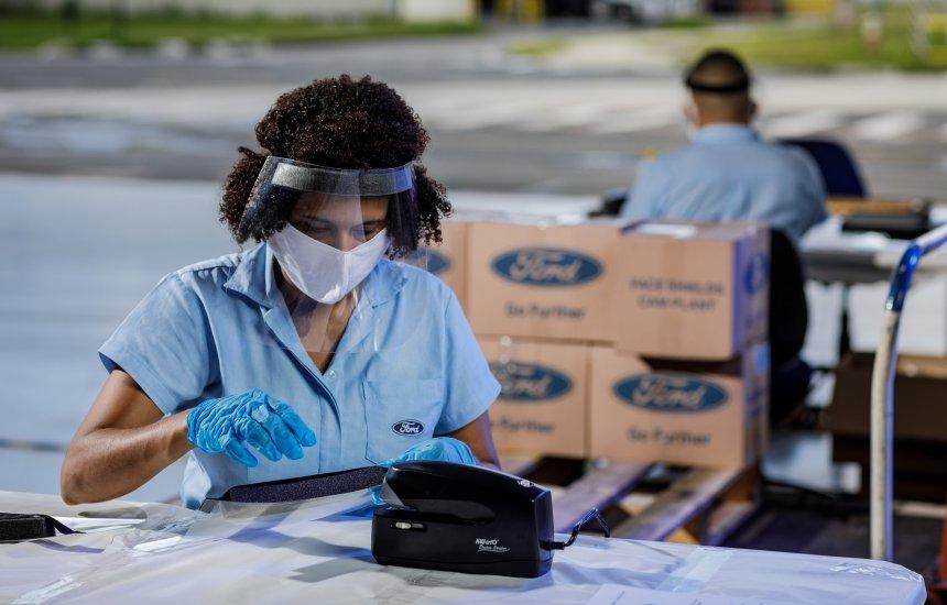 [30 mil máscaras produzidas na Ford de Camaçari são entregues para o Governo da Bahia]