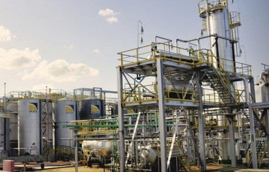 [Dax Oil investe na ampliação da refinaria em Camaçari]