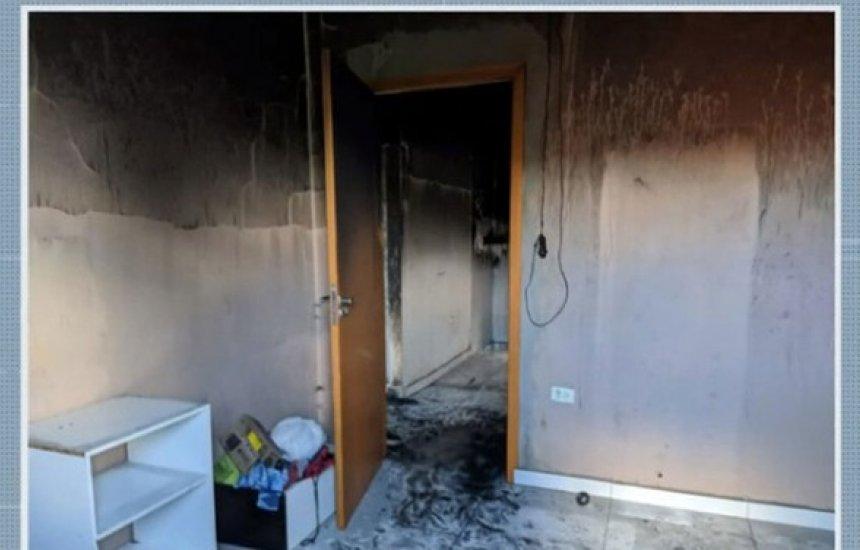 [Homem é preso suspeito de agredir companheira e incendiar casa após pedido do fim da relação]