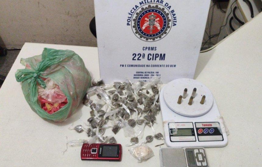 [Polícia realiza apreensão de drogas em Simões Filho]