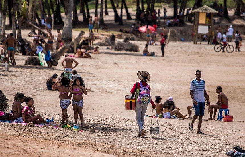 [ACM Neto libera atividades esportivas e comércio em praias de Salvador]