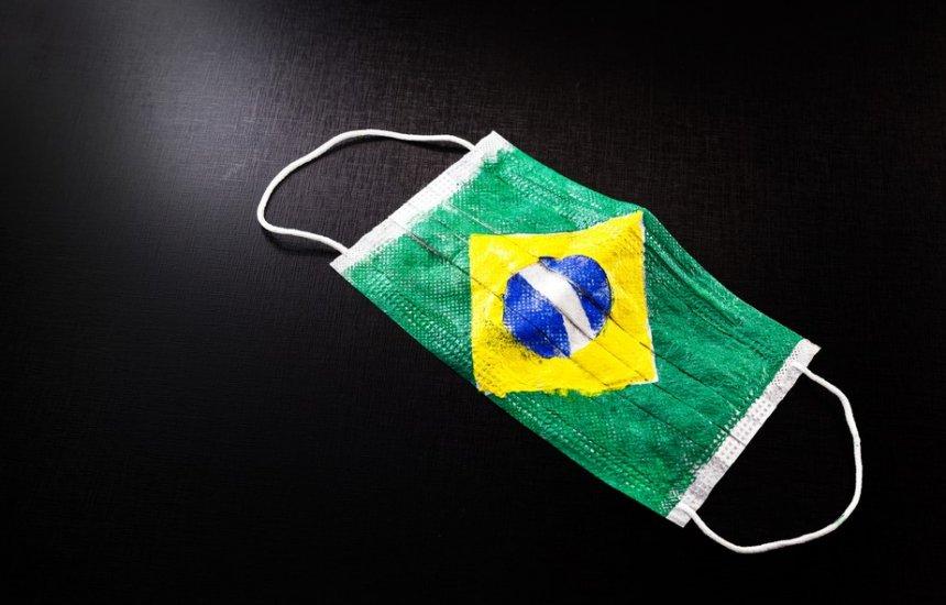 [Brasil tem 20 mil casos por dia, em média, e número deve continuar alto no verão]