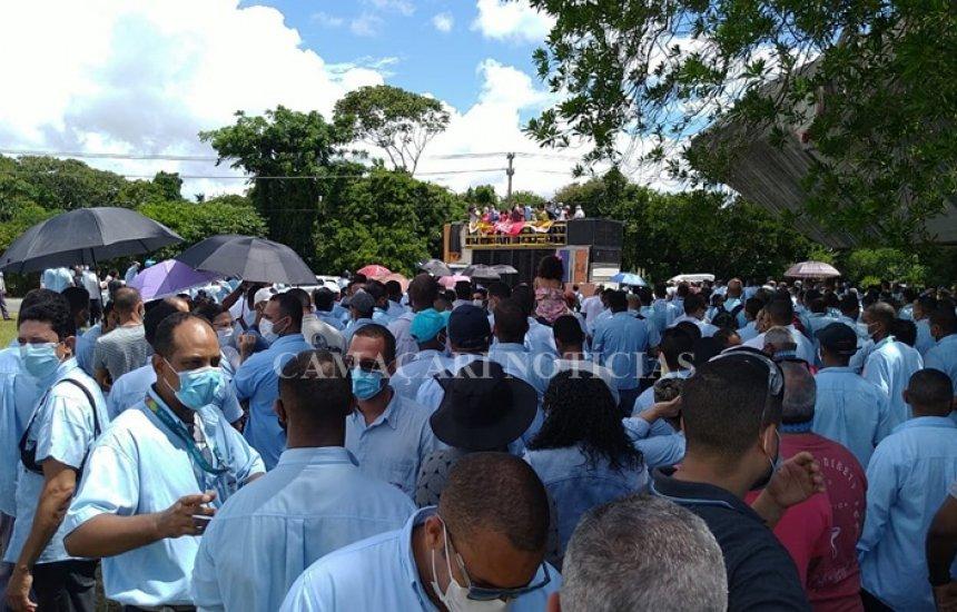 [Trabalhadores da Ford realizam ato na  Assembleia Legislativa da Bahia]
