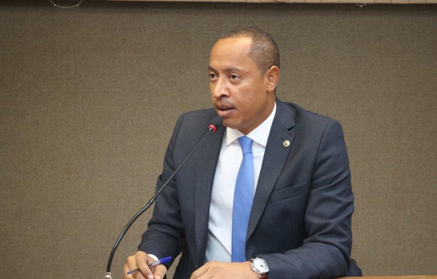 [Jurailton propõe debate sobre situação da cratera na Ilha de Matarandiba, em Vera Cruz/BA]