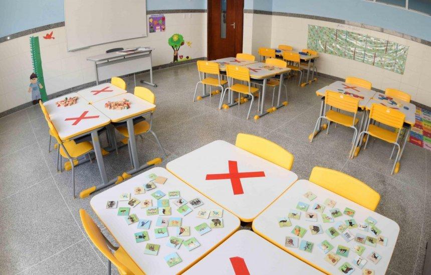 [Após assembleia, professores das escolas particulares de Salvador decidem não voltar às salas de aula]