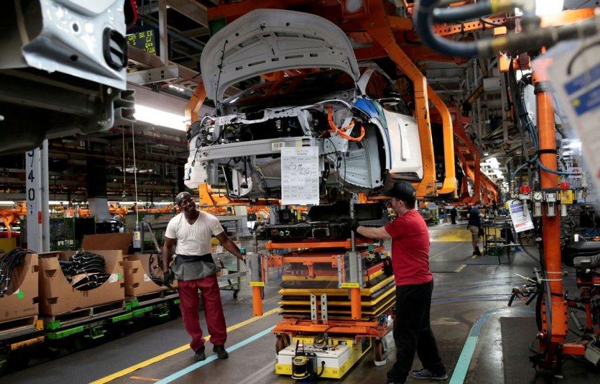 [IBGE: indústria cai em nove dos 15 locais pesquisados em abril]